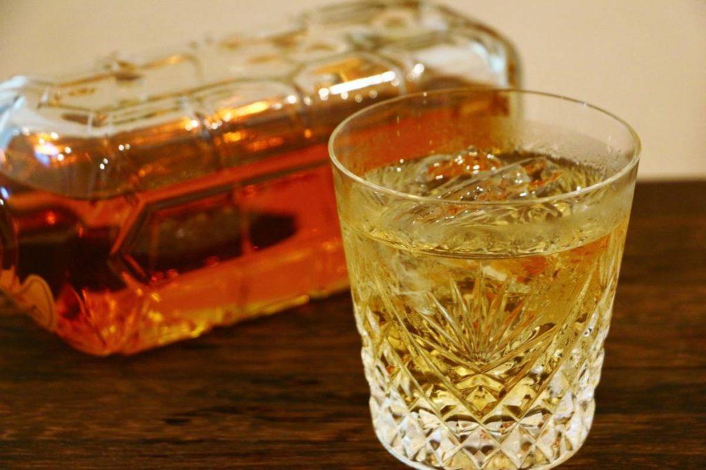ウイスキー 水割り